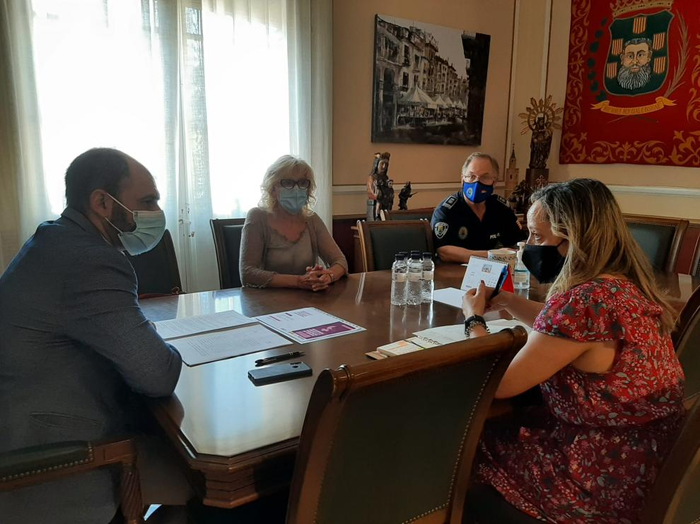 Reunión llevada a cabo durante la pasada semana entre la Subdelegación del Gobierno en Huesca y el Ayuntamiento.