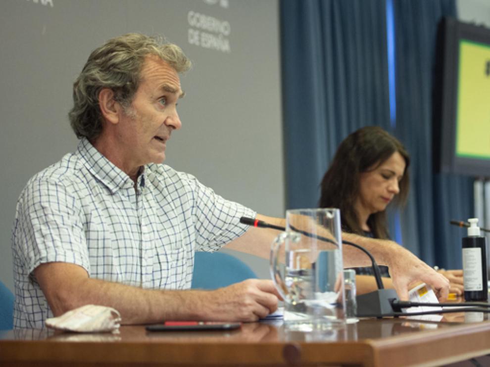 Simón, ayer junto a la secretaria de Estado de Sanidad, Silvia Calzón, durante su comparecencia.