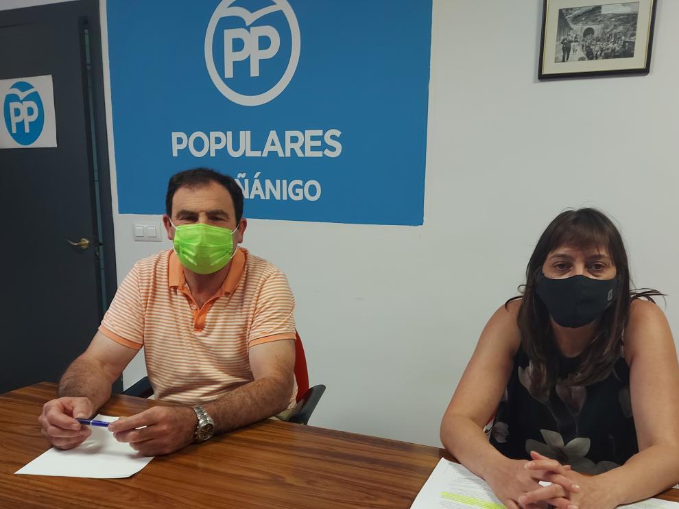 Paco Santolaria y Susana Gracia, en la rueda de prensa que ofrecieron para hacer balance de la actual legislatura.