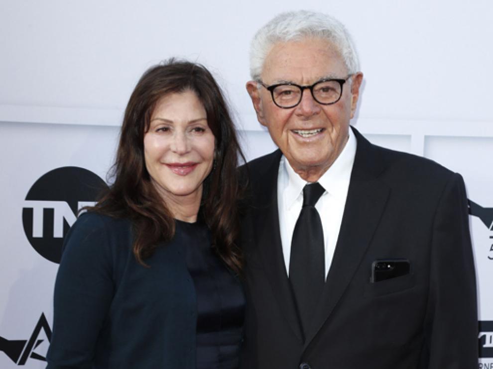 Richard Donner con su esposa Lauren Shuler, con la que participó en la producción de varios proyectos.
