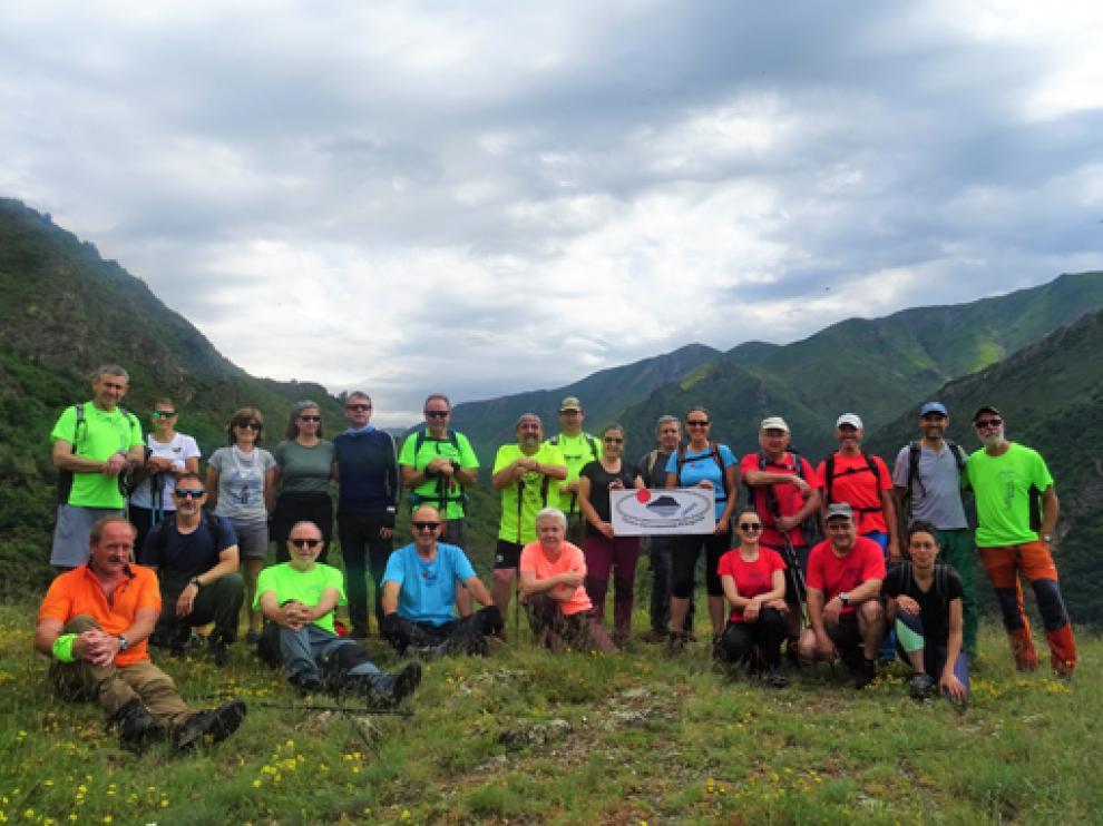 Foto de grupo de los participantes en la excursión que llevó a cabo el pasado fin de semana el CER.