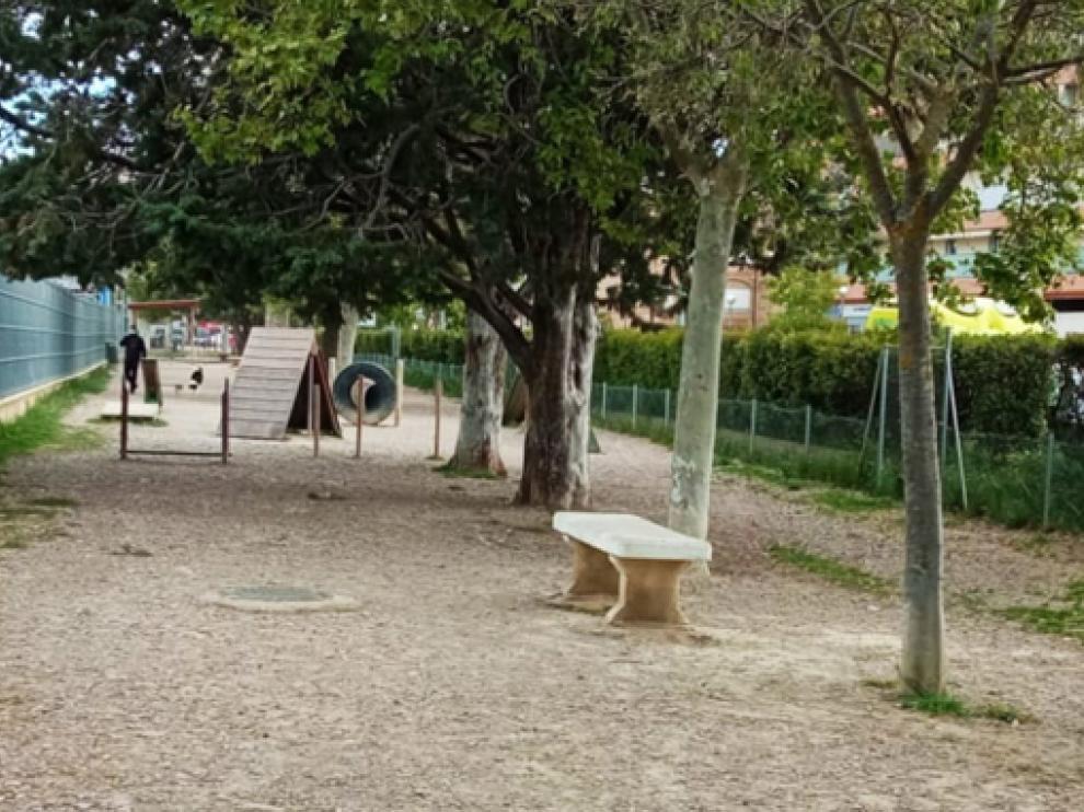Zona de esparcimiento canino cerca de la estación intermodal de Huesca