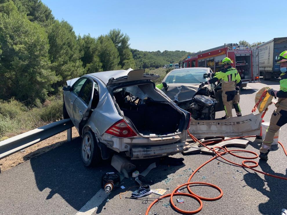 Bomberos de Fraga han intervenido en las labores de rescate de los accidentados