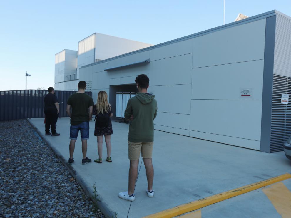 Pruebas PCR a los jóvenes en Huesca