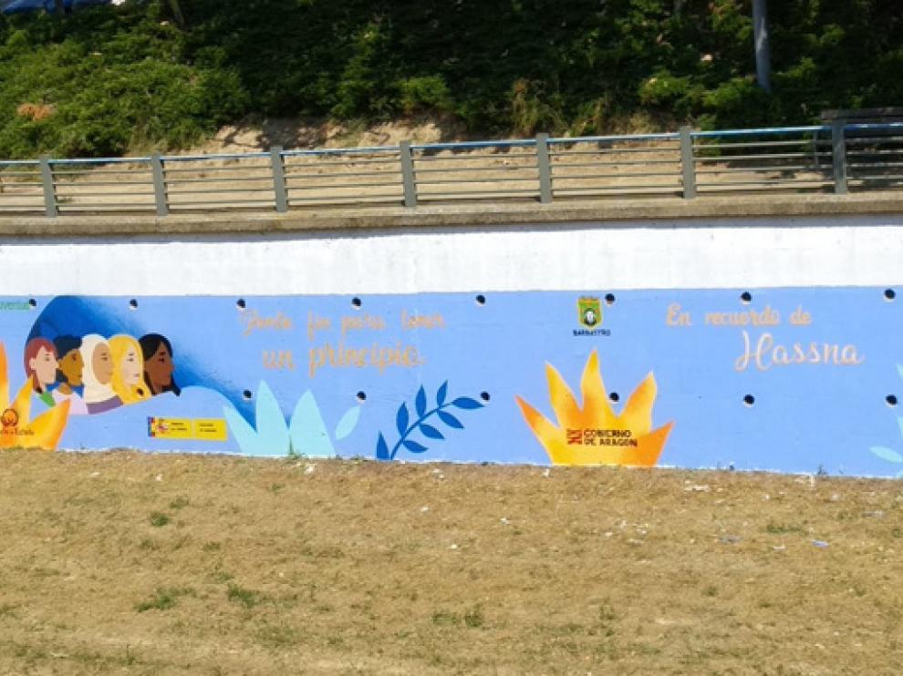 Mural realizado en el taller de grafiti contra la violencia de género, con un recuerdo especial para Hassna.