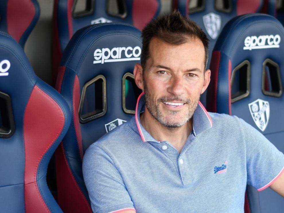 Dani Aso seguirá al frente del Huesca B.
