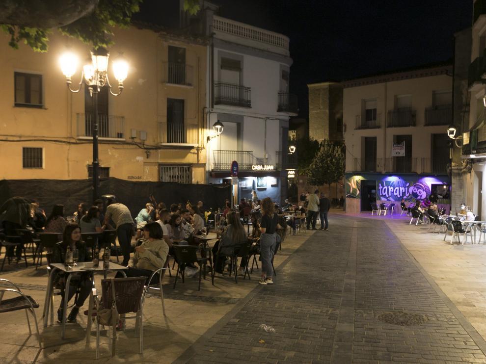 Foto de archivo de terrazas en Huesca.