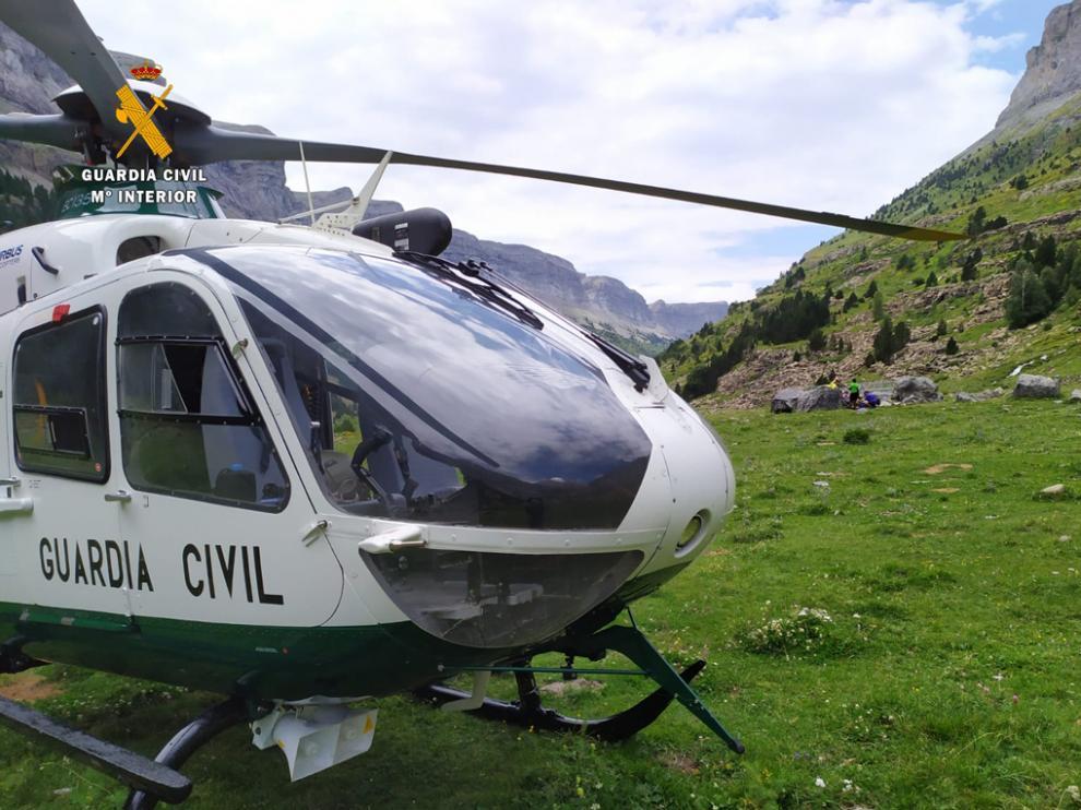 La menor accidentada fue evacuada por un helicóptero de la Guardia Civil.