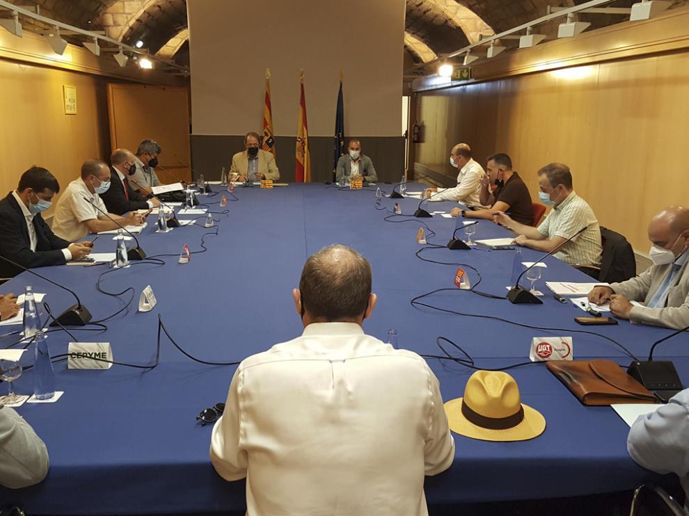 Reunión de la Mesa para la Estrategia Aragonesa de Recuperación Social y Económica.