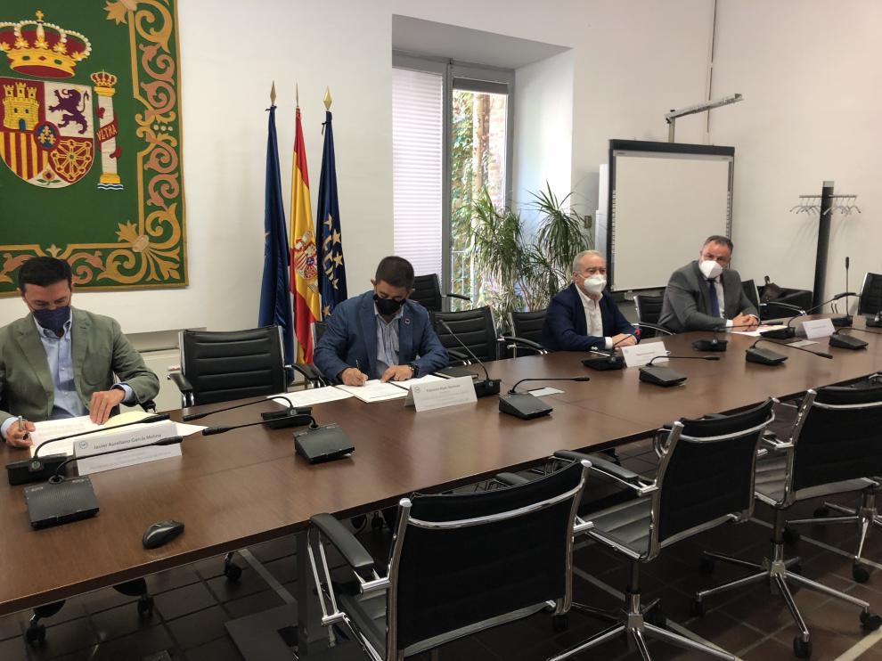 Durante la reunión de la Subcomisión permanente de la Comisión de Diputaciones Provinciales, Cabildos y Consejos Insulares de la FEMP