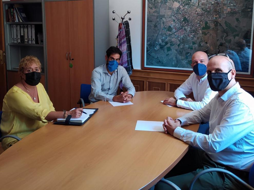 Imagen de la reunión mantenida el miércoles con miembros del ITA y de Aragón DIH.