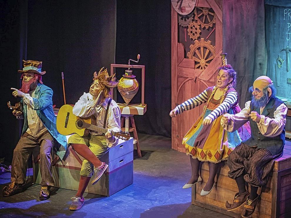 Un momento del espectáculo de Almozandia Teatro.
