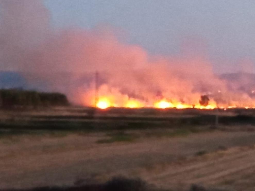 Incendio en Almuniente provocado por la chispa de un tren.