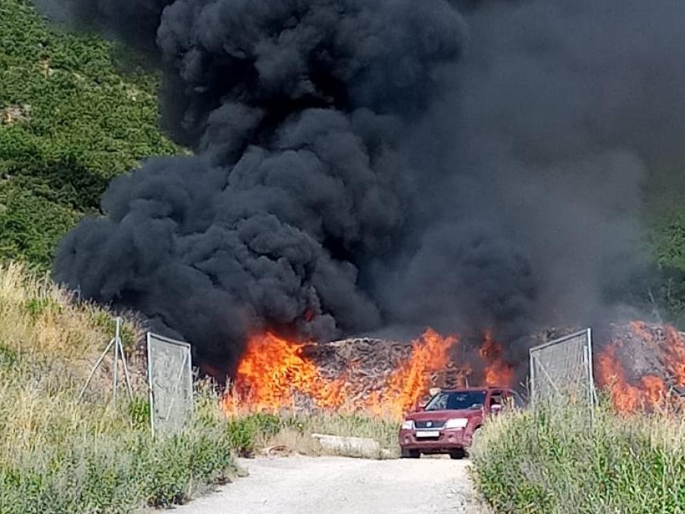Incendio en el vertedero de residuos industriales de Sabiñánigo