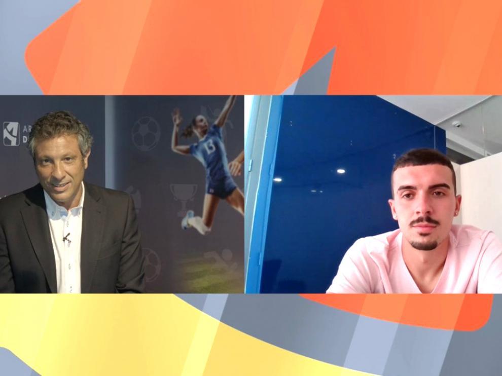 Pedro Hernández en su encuentro digital con el centrocampista del Huesca Joaquín Muñoz