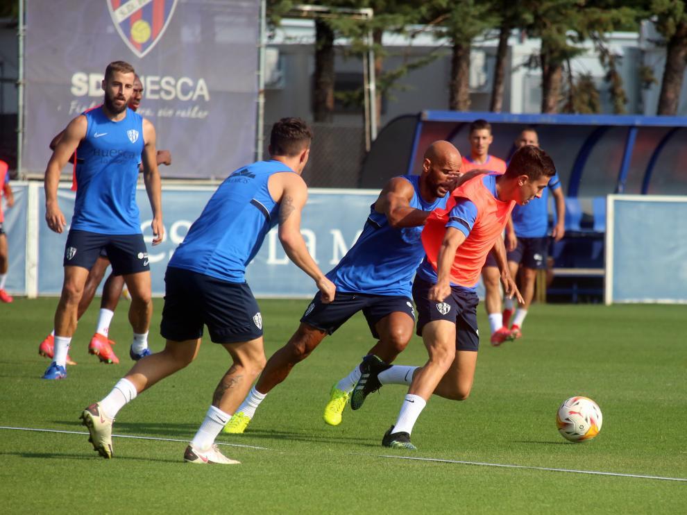Entrenamiento de la SD Huesca este martes