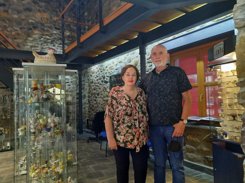 María José Fuster junto a Fernando Maestro en la inauguración de la exposición