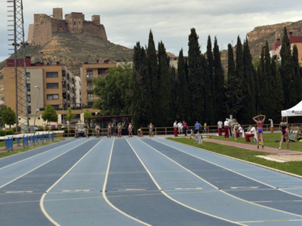 Pistas de atletismo en Monzón