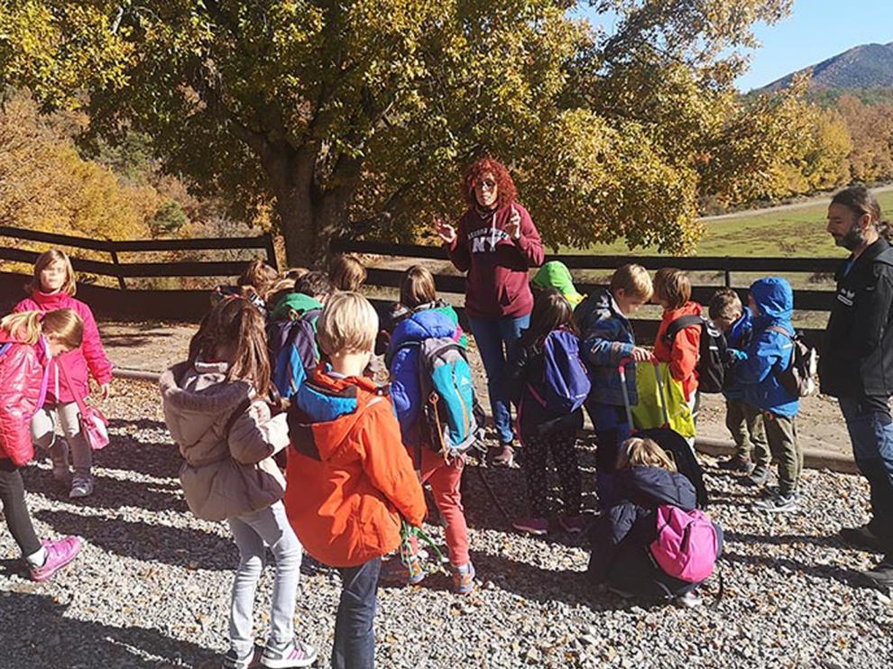 La Borda de Pastores, durante la visita de unos niños a las instalaciones