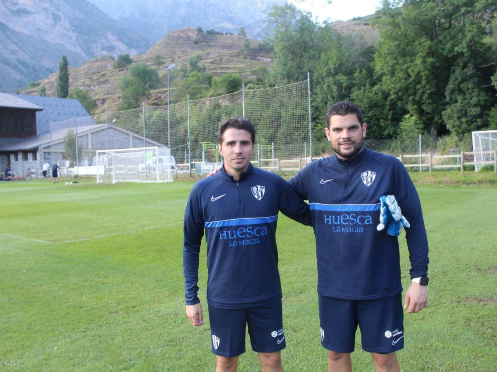 Adrián Sipán y Adrián Mallén, los veteranos del cuerpo técnico.