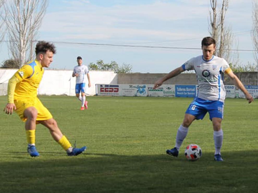 David Villellas, capitán del C.D. Sariñena, ha renovado por una temporada más con el club