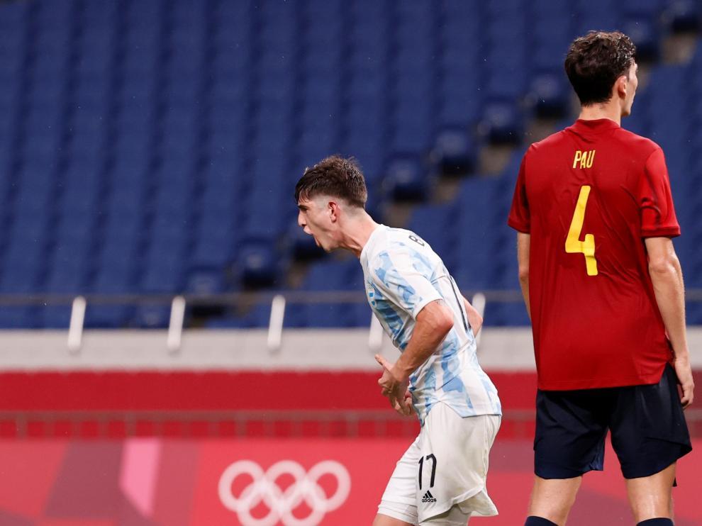 España se clasificó para los cuartos tras empatar con Argentina.