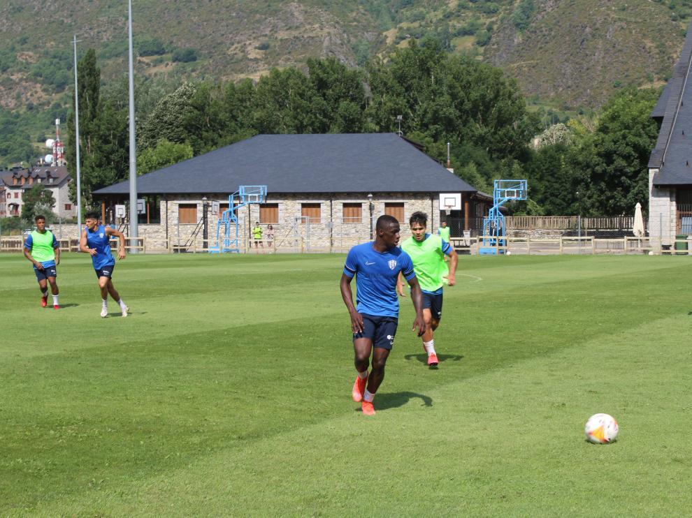 Juan Peñaloza cumple tres años en el Huesca.