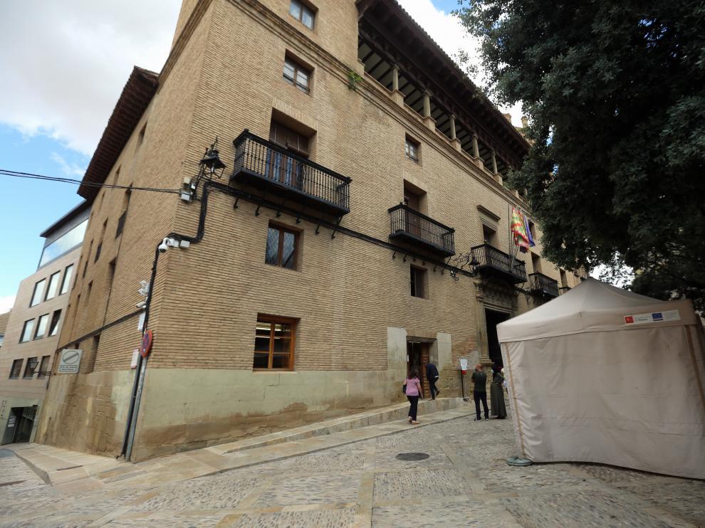 Exterior del Ayuntamiento de Huesca
