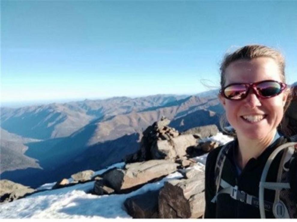 Esther Dingley, durante una de sus travesías por la montaña