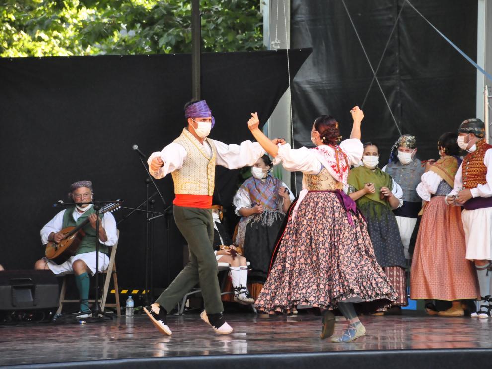 Actuación del Grup de Danses El Forcat, de la Comunidad Valenciana.