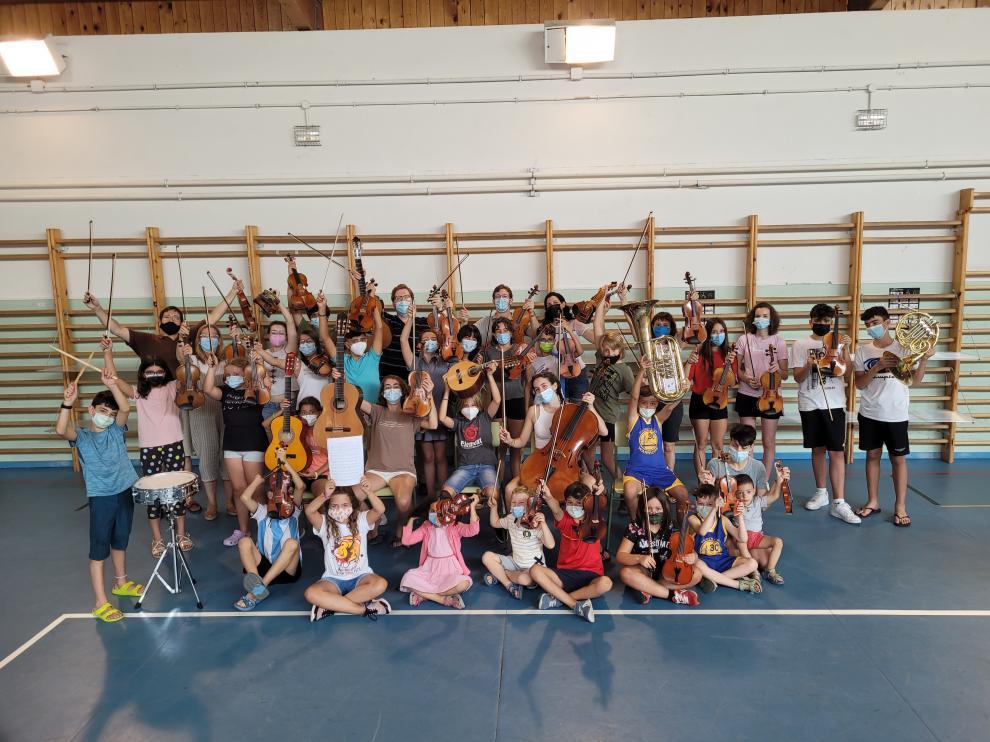 Algunos de los alumnos y alumnas que participaron en los cursos.