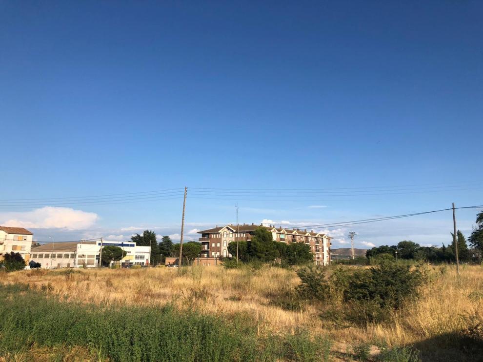 Solar cedido en el que se construirá la residencia de mayores en Fraga