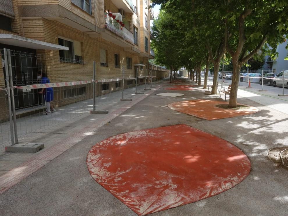 La calle Sopena muestra una nueva imagen renovada y sostenible.