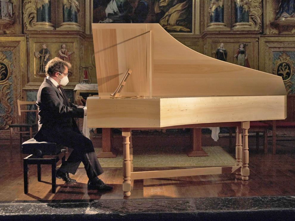 Yago Mahúgo ofreció un recital muy original