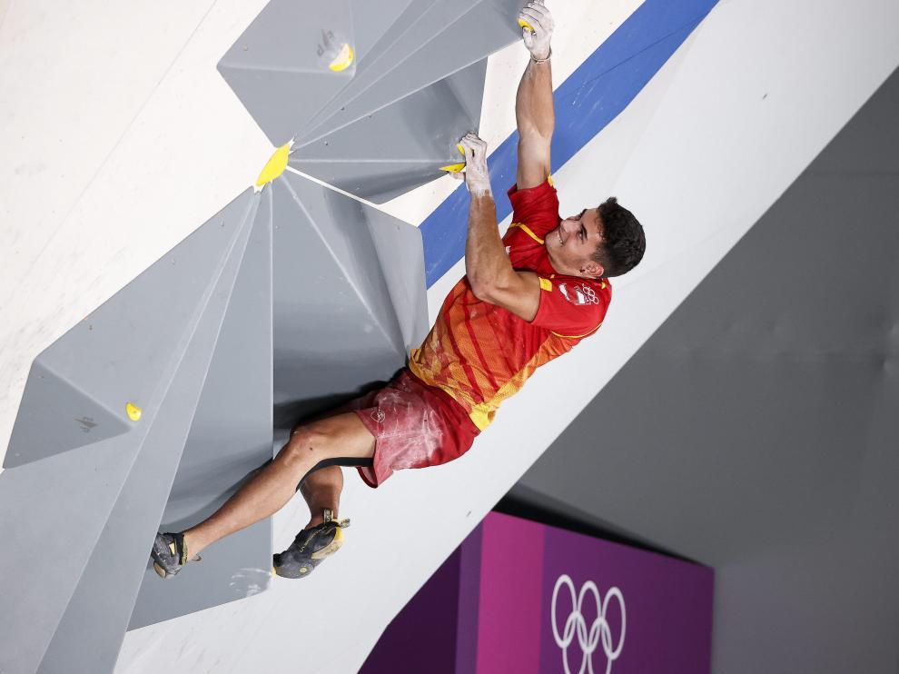 Alberto Ginés supo combinar velocidad y sangre fría para encaramarse hasta el oro en Tokio.
