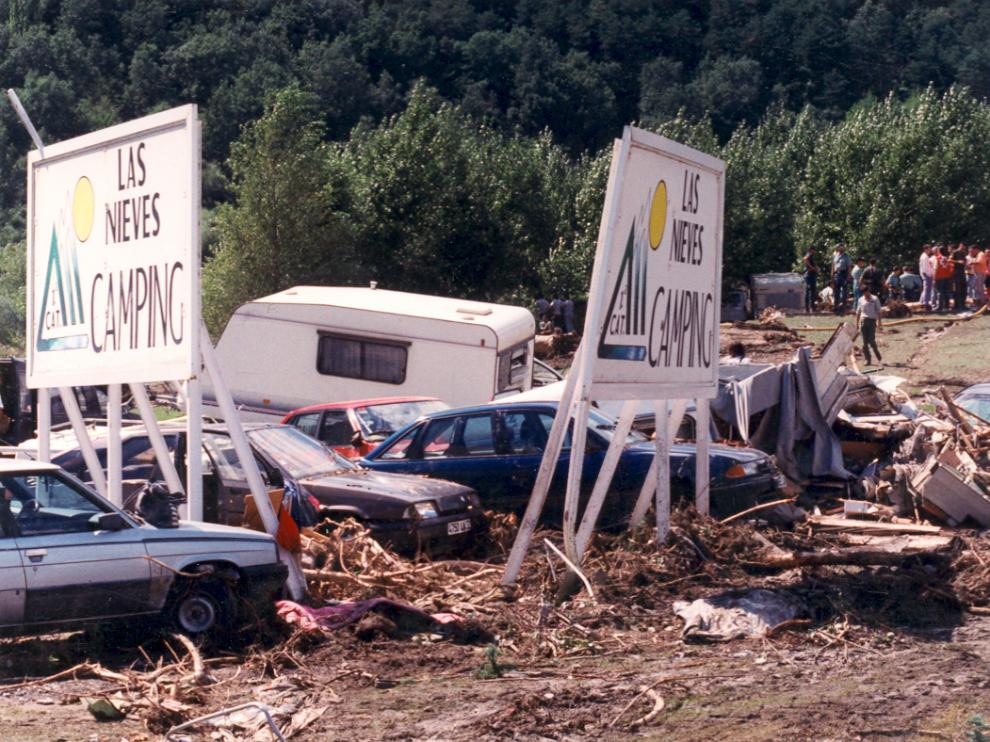 Imagen de la riada que devastó el camping de Biescas.