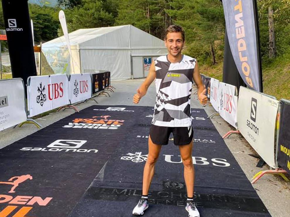 Daniel Osanz, antes de iniciar ayer la carrera en los Alpes suizos.