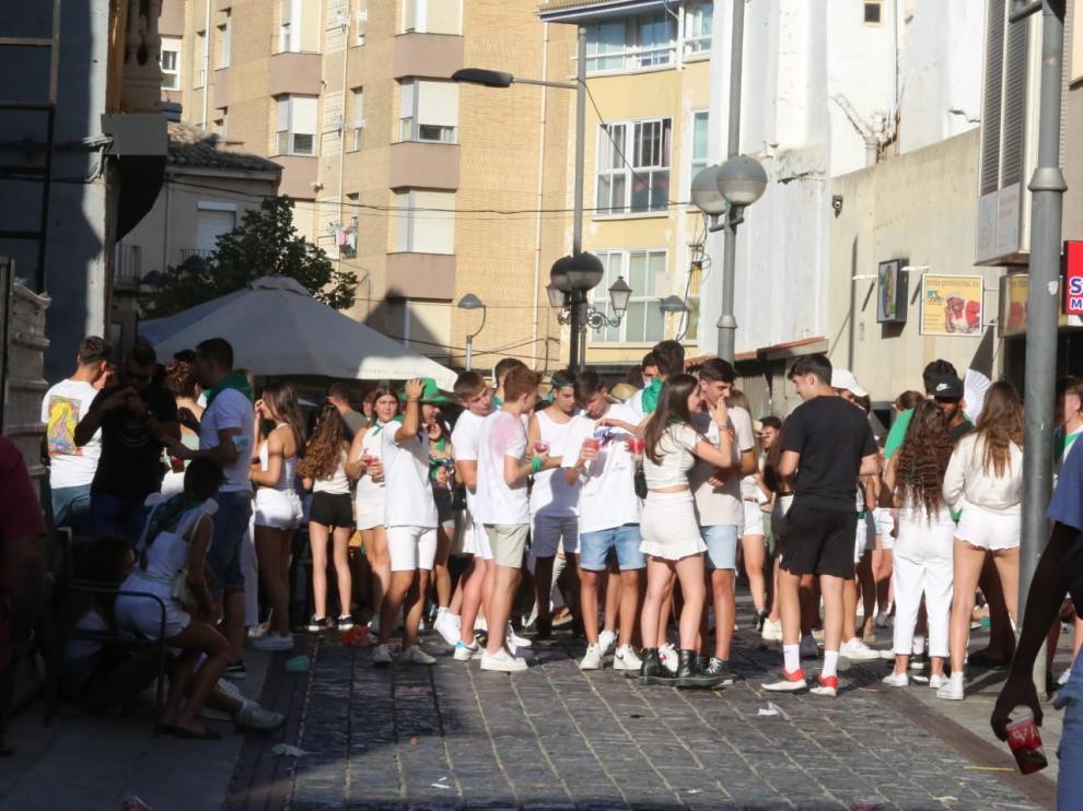 Imagen de una de las calles de Huesca durante la tarde de este lunes