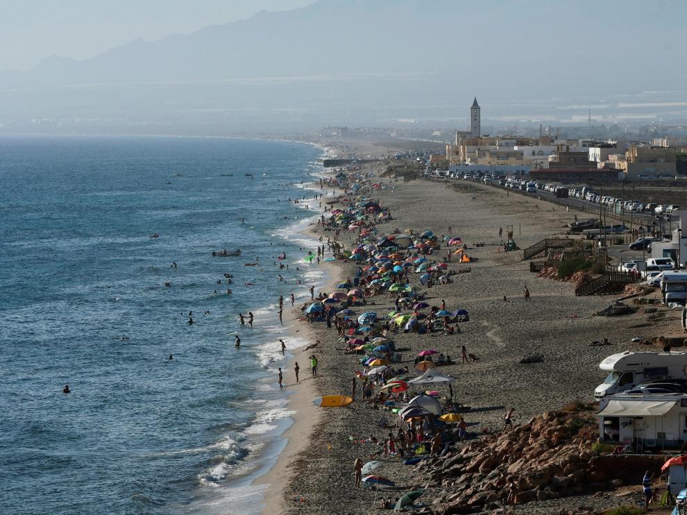 Imagen de la la playa de La Fabriquilla del parque natural Cabo de Gata-Níjar.