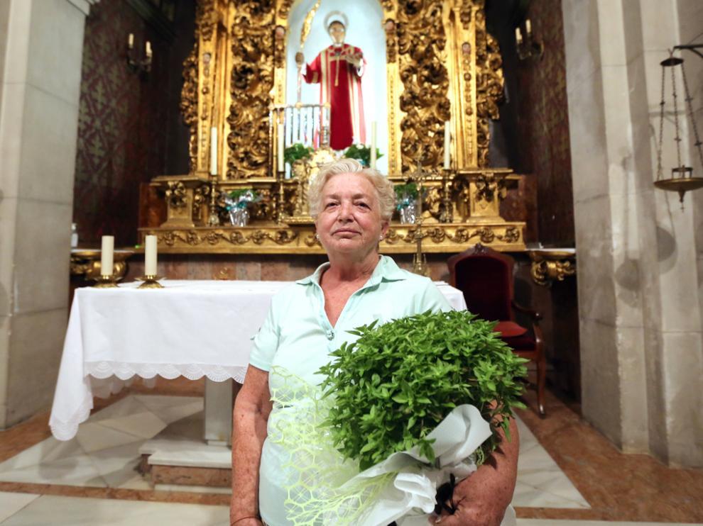La priora, África Moyano, ante San Lorenzo