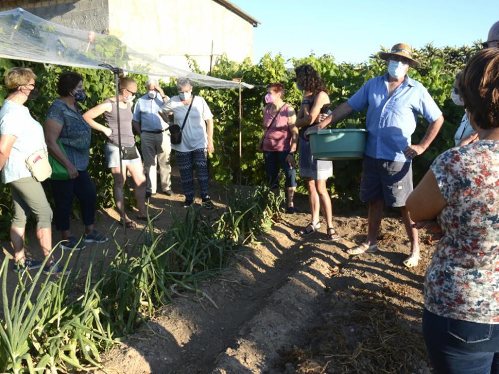 Una de las visitas a huertos del municipio de Graus organizadas por el Ayuntamiento