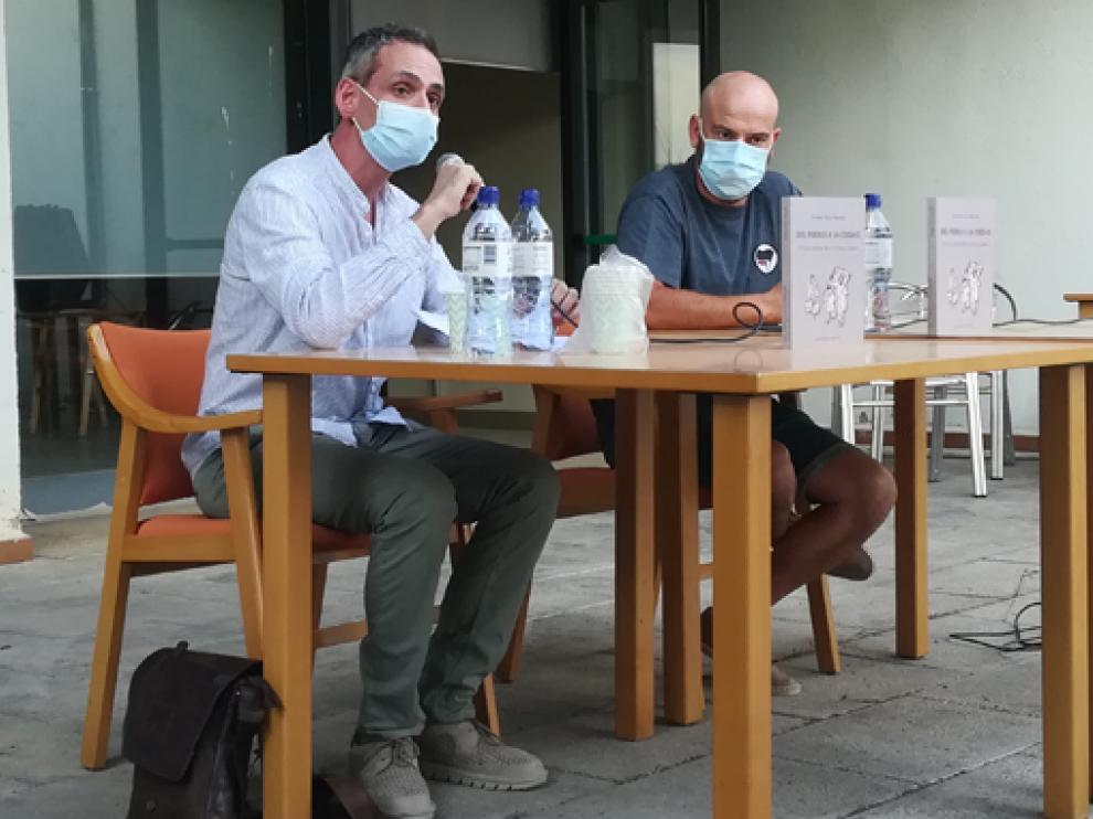 José Manuel Martínez París y Germán Ferrer Marzola, en la presentación del libro.