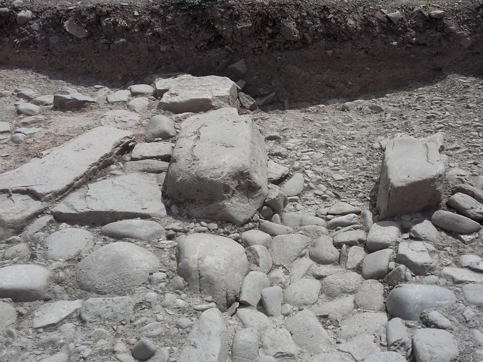 Resto del yacimiento de origen romano hallado en Forau de la Tuta, en el municipio de Artieda.