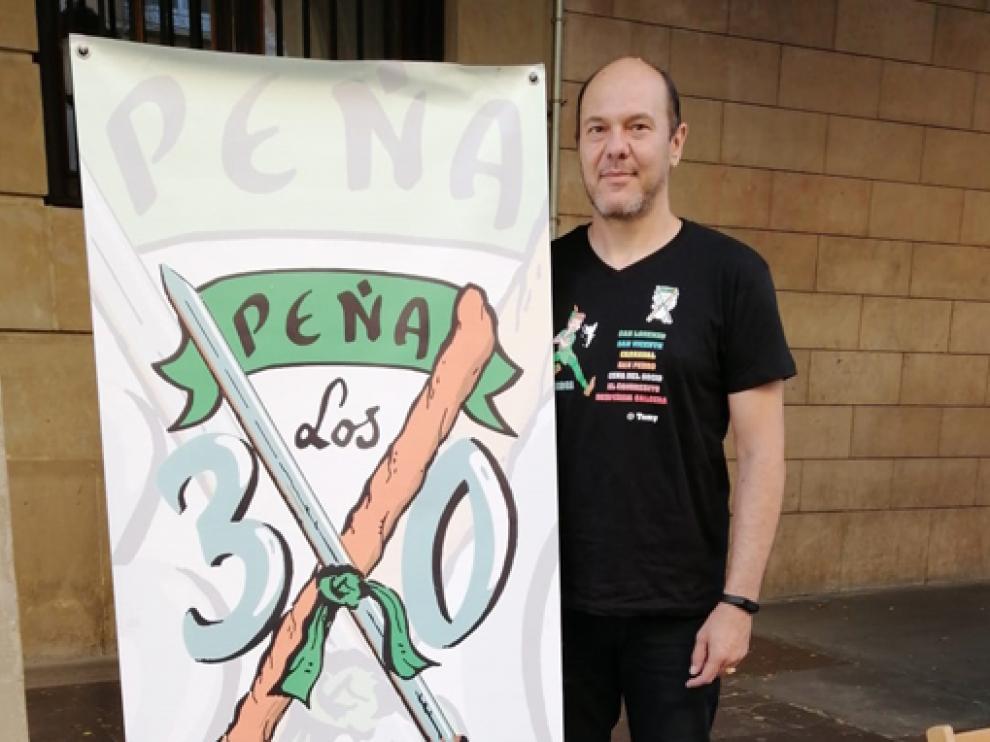 Tomás Hernández, de la peña Los 30.