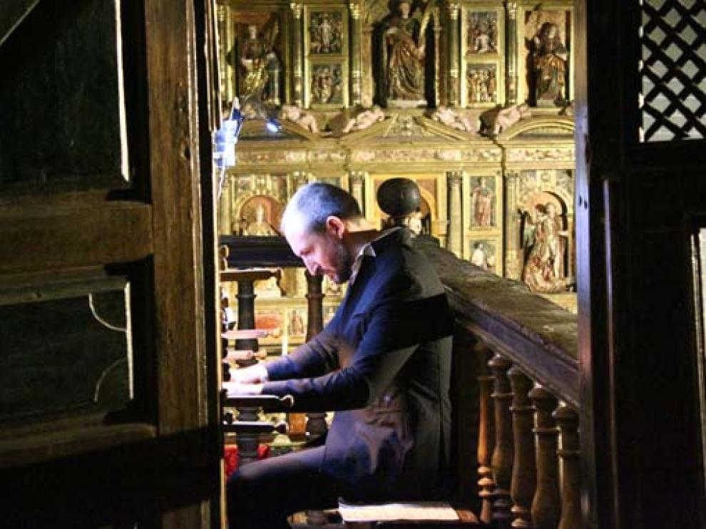 Actuación del organero sevillano en la iglesia de Berdún.