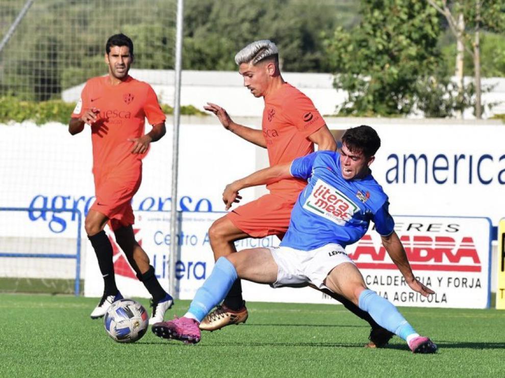 El C.D. Binéfar empató ante la S.D. Huesca B (1-1) en su segundo partido amistoso de pretemporada.