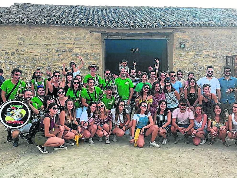 La gente joven de Robres durante las últimas fiestas patronales que se pudieron disfrutar.