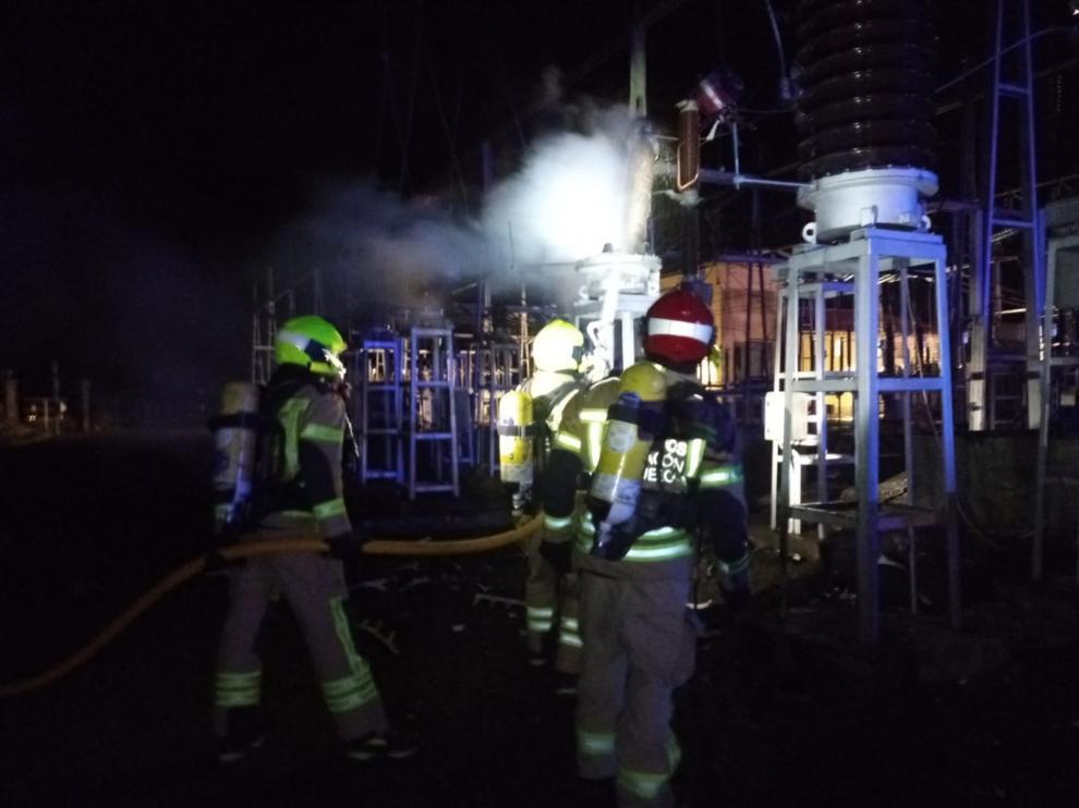 El incendio ha afectado a dos transformadores.
