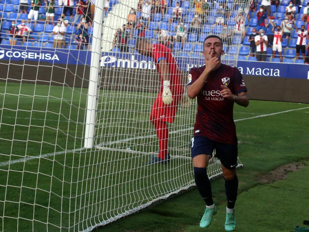 Joaquín celebra su tanto en la primera parte ante el Eibar.