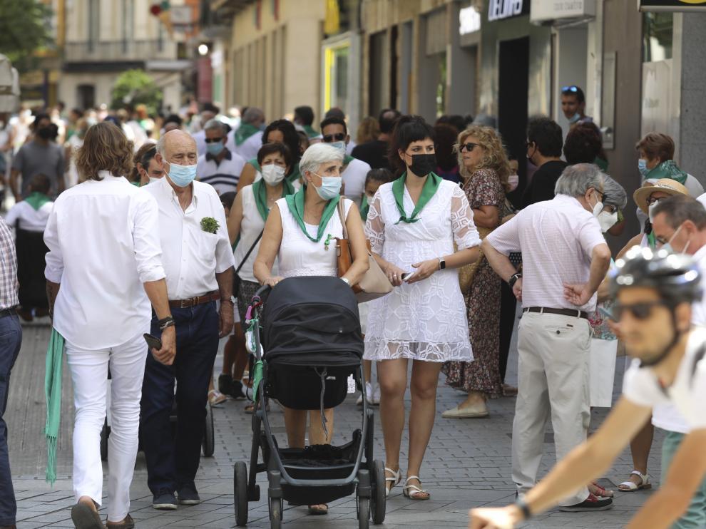 Ambiente en las calles de Huesca durante el día 10 de agosto.